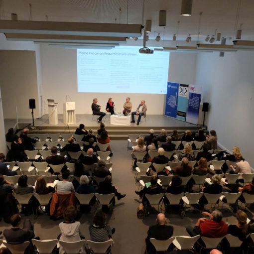 Kulturpolitische Halbzeitbilanz 2019 in der Kunsthalle zu Kiel